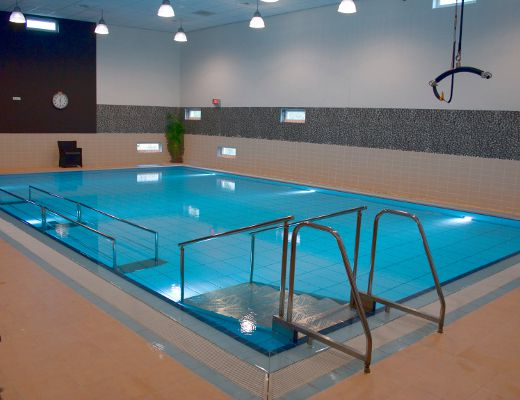 Removable parallel bars for aquatic therapy pools by ewac medical for Movable swimming pool floor australia