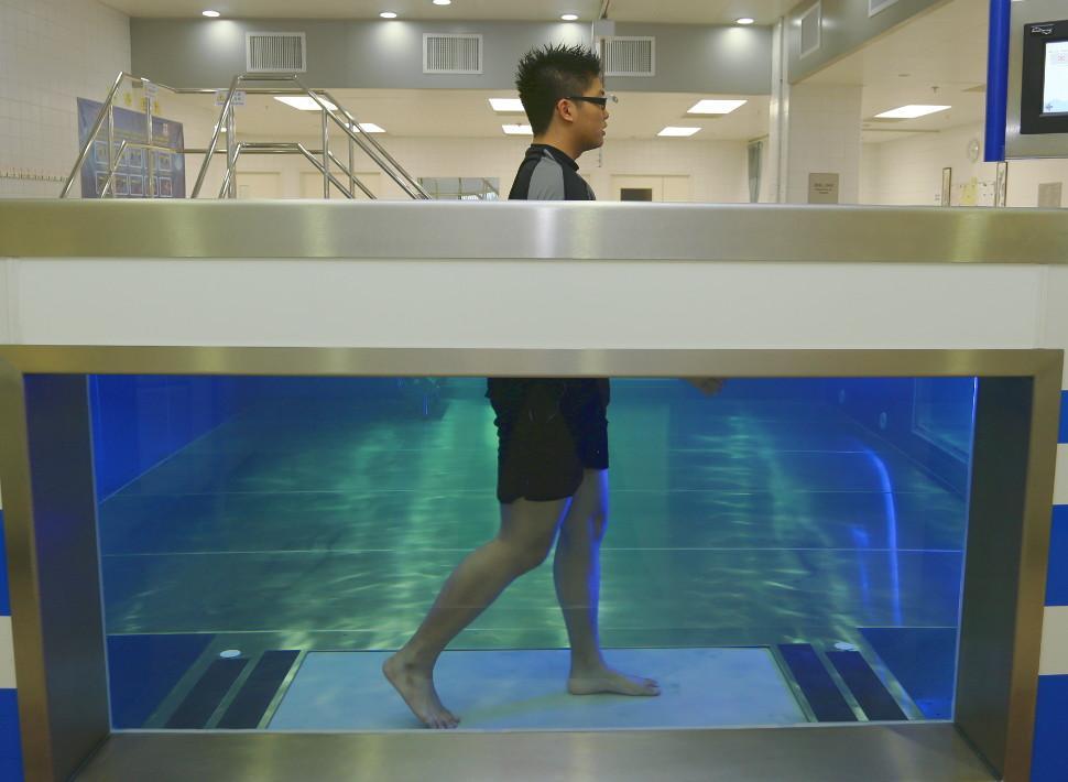 Underwater treadmill in modular pool