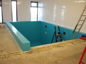 Example of a concrete pool before fitting the movable floor