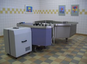 Butterfly bath / Hubbard Tank equipped with Aqua Control water treatment system